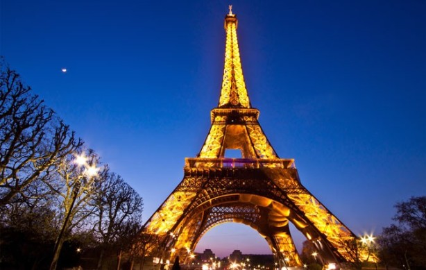 02.13_web_EiffelTower_Paris_France-673x427